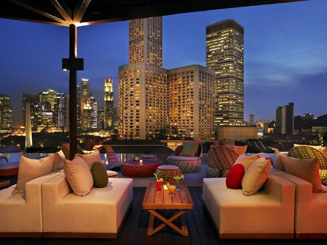http://asianinteriordesign.net/singapore/top-10-amazing-rooftop-bars-in-singapore-you-need-to-visit/ #rooftopbars #singapore #asianinteriordesign #naumi  TOP 10 Amazing rooftop bars in Singapore you need to visit
