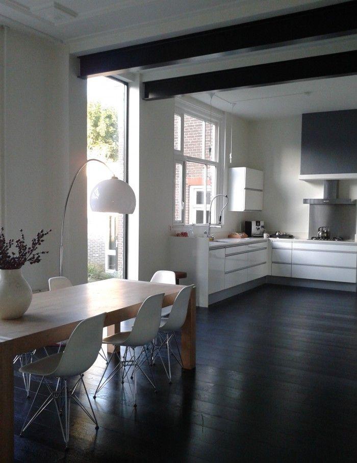 Potrel zwart vs wit industri le retro met poutrels dwarsliggers pinterest potted trees - Plafond met balk ...
