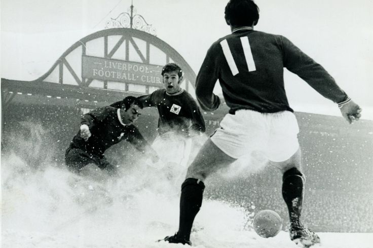 ecsImgLiverpool v Nottingham Forest. 15th February 1969. Ian St. John clears the ball in a flurry of snow at Nottingham's Forest Joe Baker a...