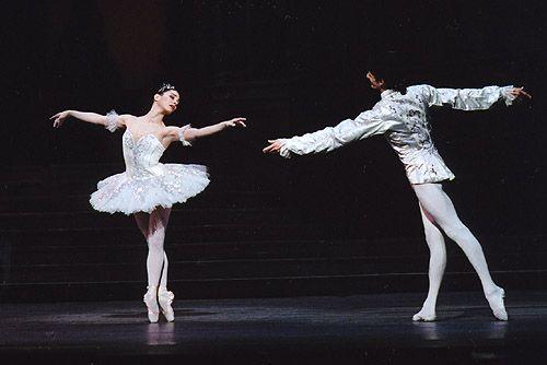 Tamara Rojo and Jonathan Cope in Cinderella, The Royal Ballet
