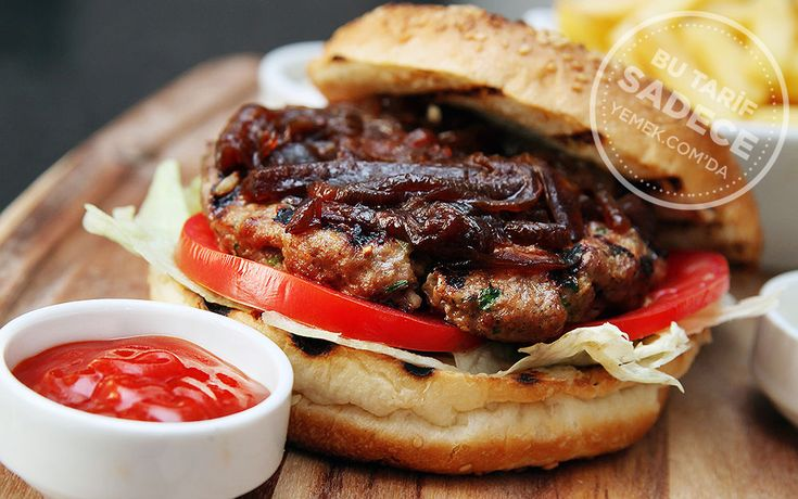 Garnitür olarak; kızarmış parmak patates ile servis edilen battal boy hamburger ekmeğinin arasındaki el yapımı Falls Burger'in köftesi iştahınızı açacak.