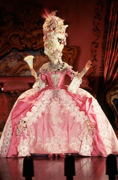 This is just amazing! The Phantom of the Opera, with Minnie Driver as Carlotta. CostumeDesign: Alexandra Byrne.