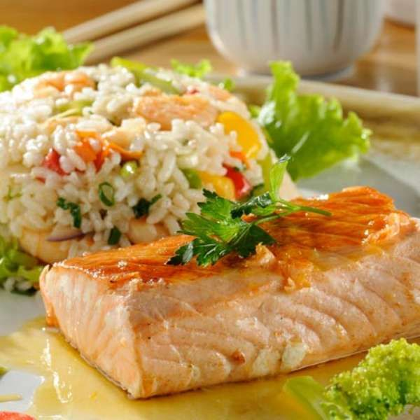 Salmão ao molho maracujá com risoto de camarão http://historia2h.blogspot.com.br/