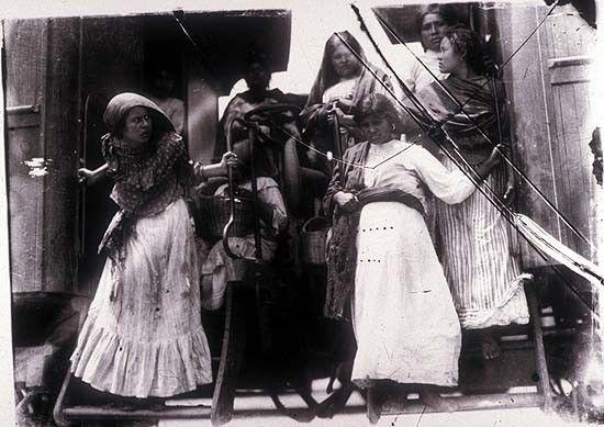 photographer of the RevolutionAgustín Victor Casasola(1874-1938).