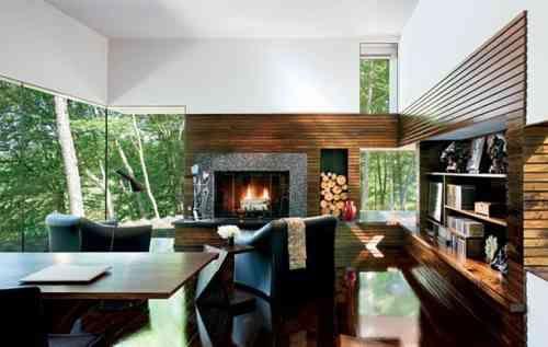 cheminée moderne pour décoration de salon avec manteau en pierre