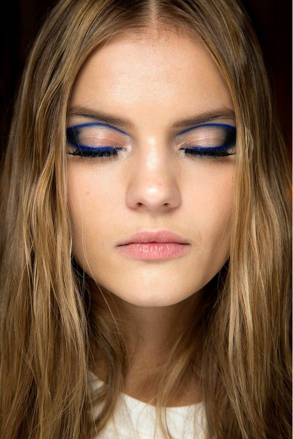 Graphic eyeliner backstage at Atelier Versace Spring 2015 Couture Show