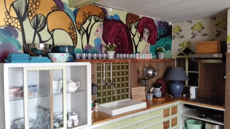 The kitchen of my holiday apartment next to my gallery in Lyrestad Sweden!   You can book the apartment at www.lyrestad.nl or at AIRBNB  #art #sweden #holiday #sverige