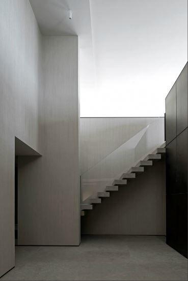 WM Apartment in Knokke by Vincent Van Duysen
