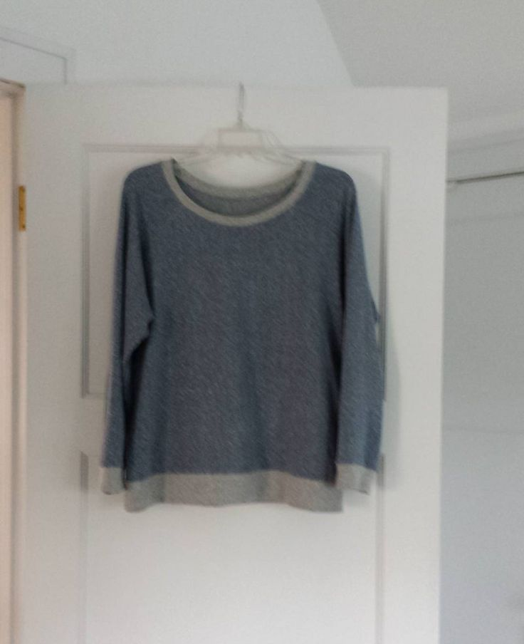 I finished this #lindensweatshirt a few weeks ago. It's sewn with a beautiful yarn dyed organic cotton/hemp blend knit from @fancytigercrafts.  The fabric weight is perfect and it has a lovely drape. This pattern/fabric combo could be my uniform.  #handmade #diy #fabric #sewingpatterns #indiesewing #sewist #handmadeclothing #latergram by cag413