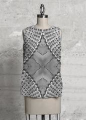 Retro BW sleeveless top: What a beautiful product!