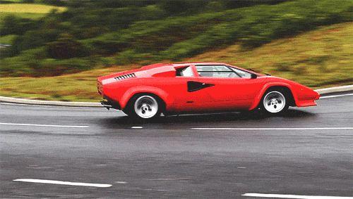Lamborghini Countach on the go !