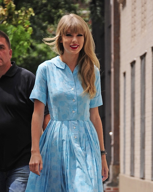 Taylor at a photoshoot in New York |  Taylor Swift