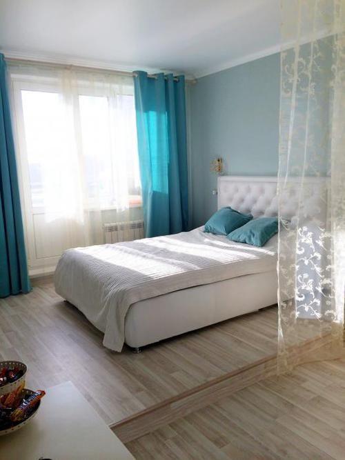 Зонирование однокомнатной квартиры, интерьер в голубых тонах, голубая спальня | Идеи для ремонта