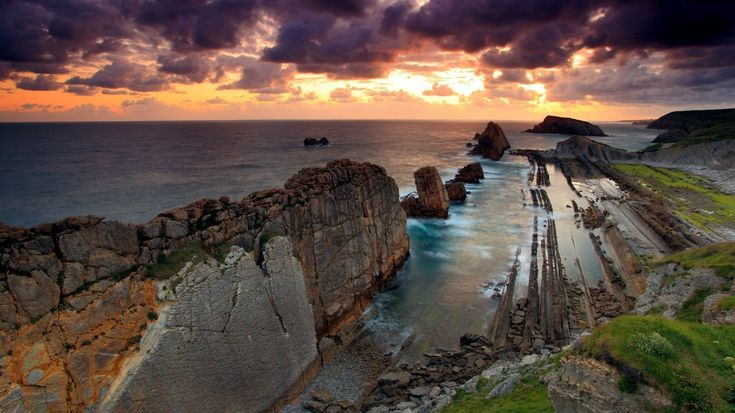 Sunset and cliffs by the sea: God Creations, Stones Barrager, Favorite Places, Nature, Beautiful Creations, Mothers Earth, Beautiful Places, Beautiful Landscapes, Amazing Places
