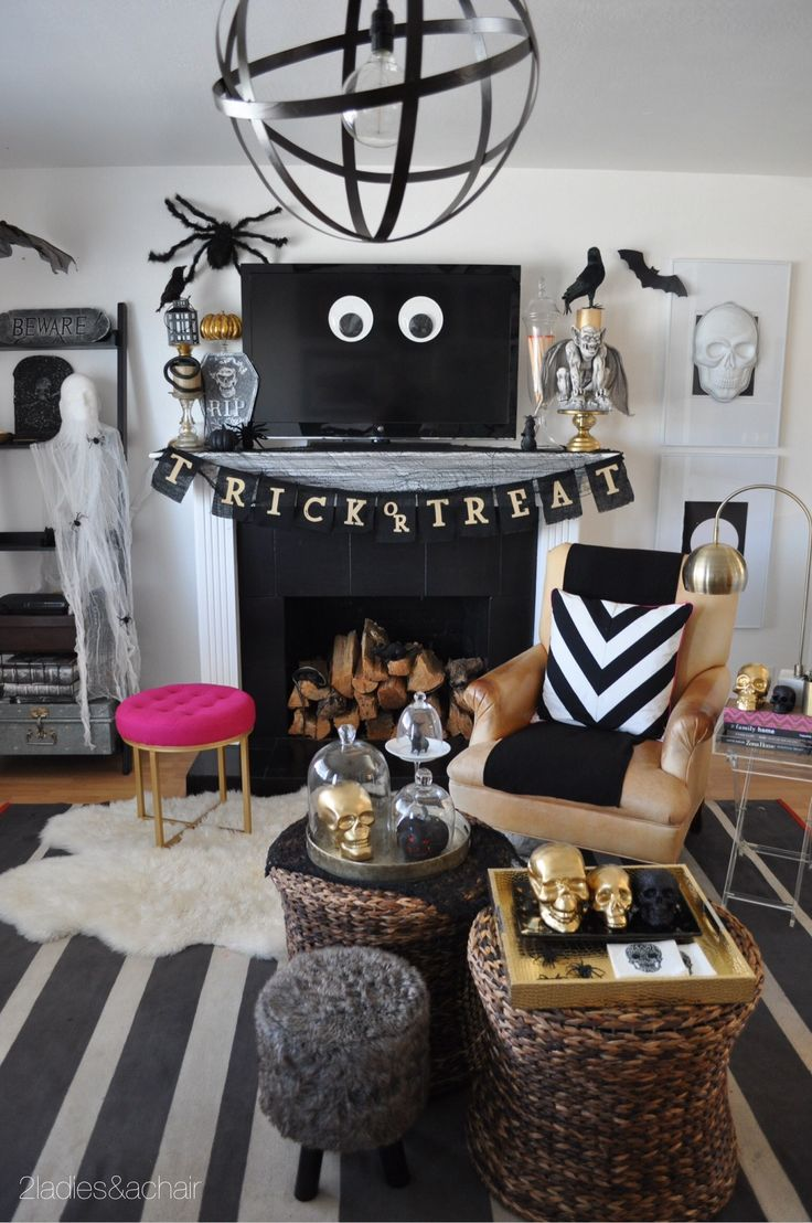best 25 halloween living room ideas on pinterest living room halloween decor diy halloween. Black Bedroom Furniture Sets. Home Design Ideas