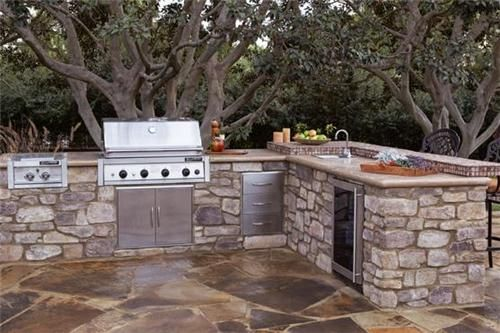 Save time, materials and money with these modular outdoor kitchen cabinets from Eldorado Stone in San Marcos, CA. Read more about the materials and process here: http://www.landscapingnetwork.com/products/grills/Eldorado-cabinets.html