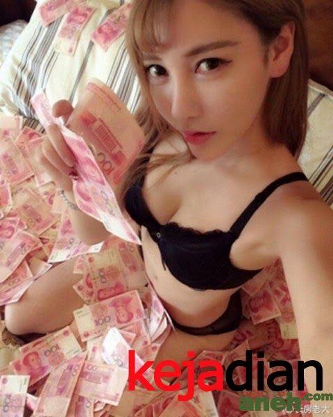Cina Cantik Banyak Uang