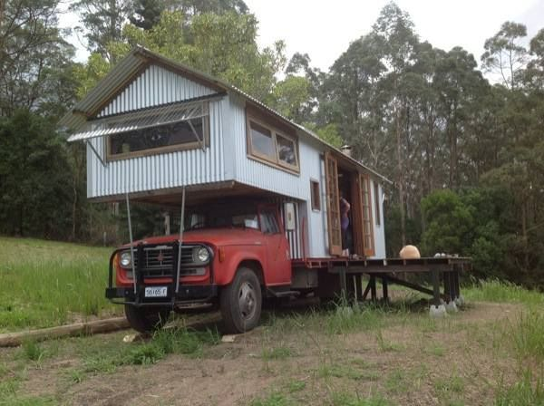 rob scotts studio housetruck 2 housetruck that looks like a tiny house - Tiny House Mobile 2