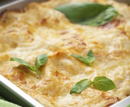 Un primo delizioso che si esprime nella cremosità della panna e nel sapore avvolgente del parmigiano, adatto per un rinfresco o un buffet caldo.