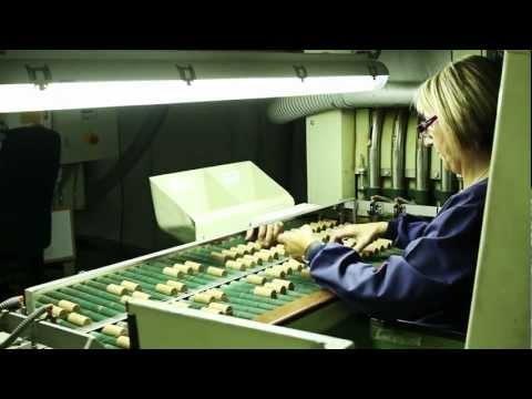 """""""Un recorrido por la industria del #corcho"""" Si quieres conocer cómo se producen los tapones de #vino y #cava, no te pierdas este interesante vídeo."""