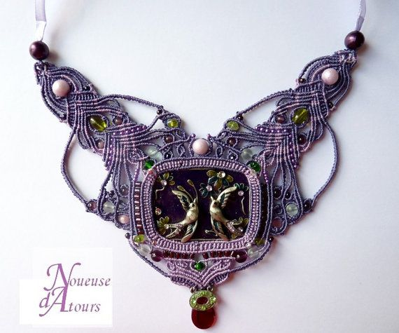 collar purple chest in micro-macrame with by laNoueusedAtours