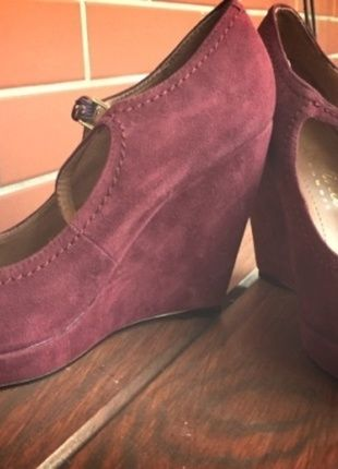 Kup mój przedmiot na #vintedpl http://www.vinted.pl/damskie-obuwie/inne-obuwie/11653736-bordowe-zamszowe-koturny-rozmiar-38