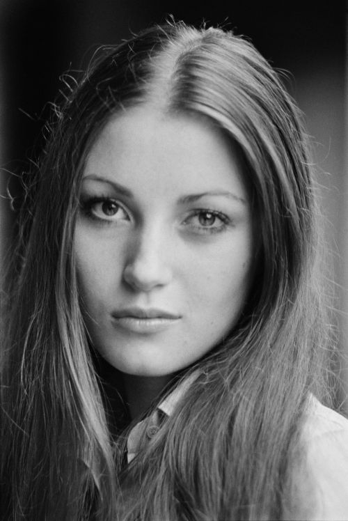 Jane Seymour. Try not to fall in love.