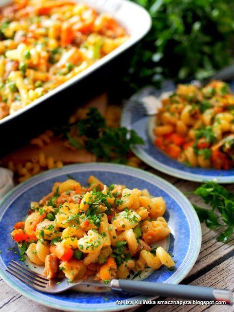 zapiekanka-makaronowa-z-kurczakiem-i-mieszanka-warzyw