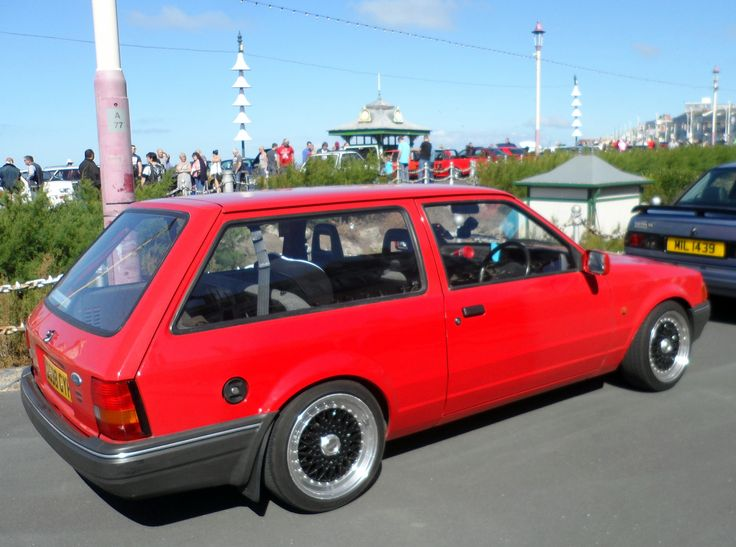 ford red paint escort 1993