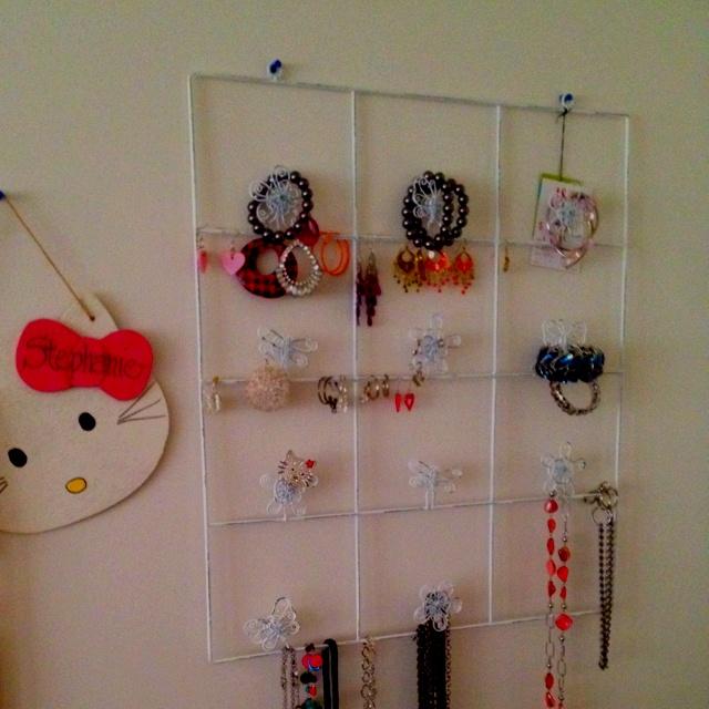 Photo hanger=jewelry holder