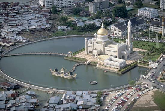 Photograph:A mosque in Bandar Seri Begawan is set in an artificial lake.