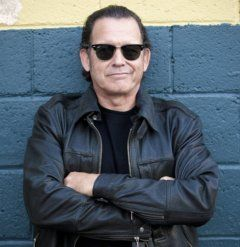 """Tommy Castro - """"Irresistible contemporary blues-rock…street-level grit and soul"""" –Billboard - http://www.alligator.com/artists/Tommy-Castro/"""