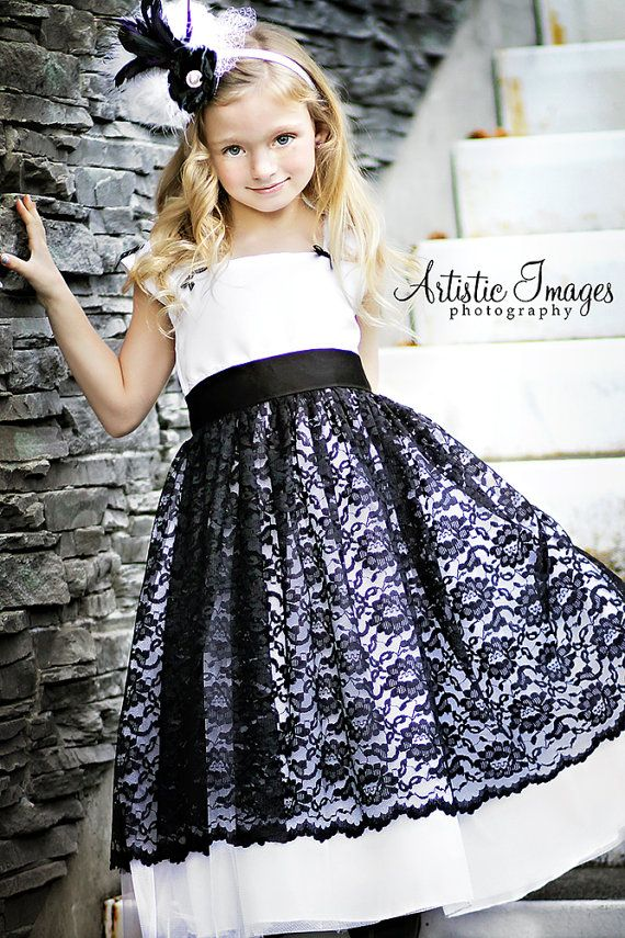 While I love black & white, I would make this same style in different colors for my girls...