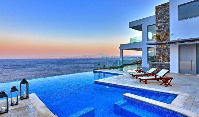 Согласно последнему докладу дочерней структуры Евробанка Eurobank Property Services приток иностранного капитала на рынке приморской жилой недвижимости Греции в 2013 годуувеличился на 43% по сравнению с предыдущим годом и составил 168 млн евро. Ожидается, что эта тенденция будет расти, в чем н