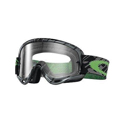 MX Oakley O Frame Skull Rushmore Green  è il best seller dell'azienda californiana: la maschera più venduta nella storia di Oakley, semplicemente perfetta, adatta a qualsiasi tipo di viso. Nata nel 1998, grazie al suo design rimane sempre attuale.