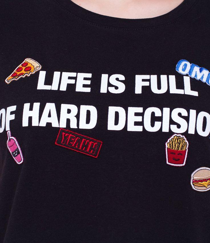 Camiseta de frase com patches