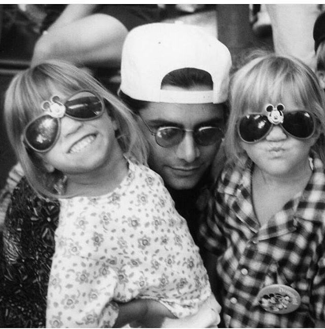 John Stamos, Ashley & Mary Kate Olsen - Black & White Photo