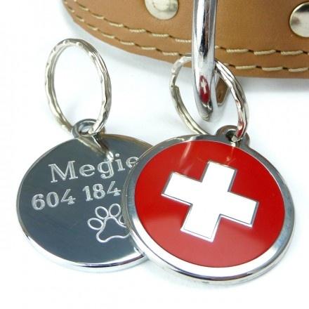 Psí známka Red Dingo - red cross. Známka pro psa s vyrytými identifikačními údaji a tlapkou.