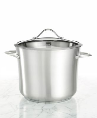A simply beautiful, large capacity stock pot in all stainless steel, to meet all your simmering needs and complement your contemporary kitchen. With a heavy-gauge aluminum inner core that conducts hea