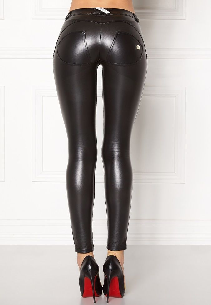 21620 best images about outfits featuring leather pants on pinterest leder leather leggings. Black Bedroom Furniture Sets. Home Design Ideas