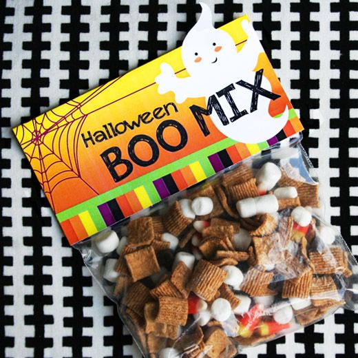 ~ Halloween Boo Mix ~ free printable bag topper included ~ Golden Grahams cereal ~ chocolate chips ~ mini marshmallows ~ candy corns ~  ghost poop ~ monster scabs ~ goblin teeth ~ witch warts ~