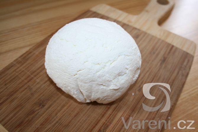 Jednoduchý recept na výborný kremový sýr.