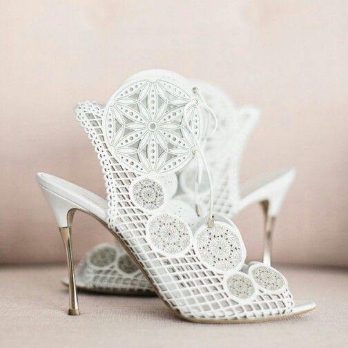 Bridal Shoes Nicholas Kirkwood    Instagram: @closet_white