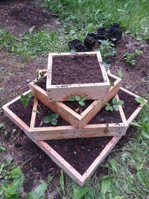 DIY strawberry planting tower--A Rainy Day Designs