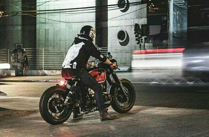 Paseo por la UCN #bmw #motorcycles #r50/5 #caferacer #bobber #ridindirty #diesel #agv #helmet