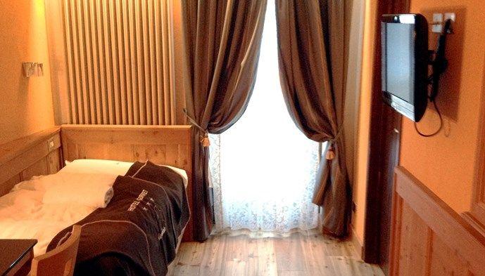 Enkelrum hotel meubl gorret sts alpresor v ra hotell p for Hotel meuble gorret