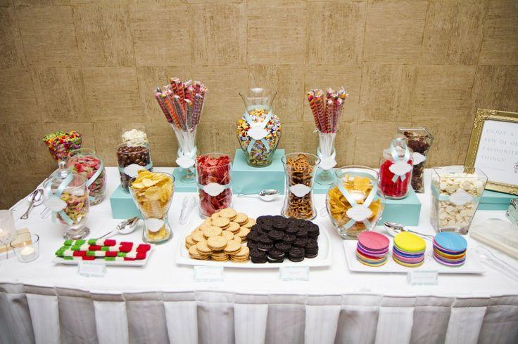 Table decor ideas dinner party event disposable for Food bar ideas for weddings