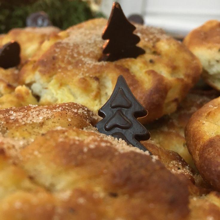 #WeihnachteninderAgentur! Alina hat gebacken: Apfelküchlein mit Zimt - lecker! #weitergehts