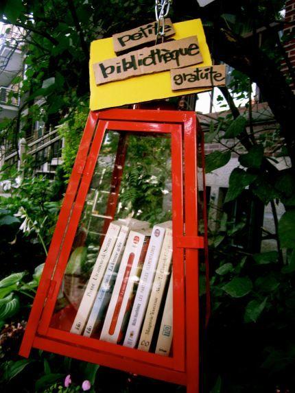 Micro-bibliothèque de la rue, Montréal | Little Free Library | Bibliomancienne