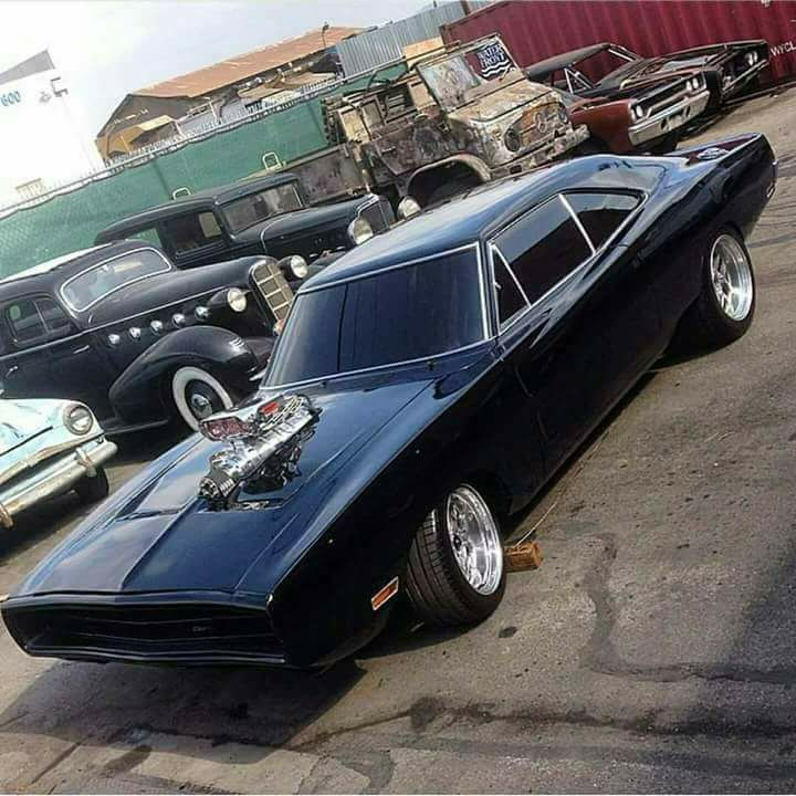 """utwo: """"'69 Ringbrothers Dodge Charger © motor trend """""""